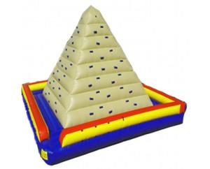 Надувной скалодром Треугольник